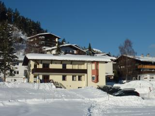 Haus Jonghof- 2 bedrooms, Seefeld in Tirol