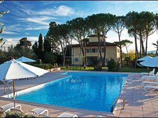 "La Certaldina Apt 2 Panoramic Villa with pool in Chianti ""Relax & Visit Tuscany"""