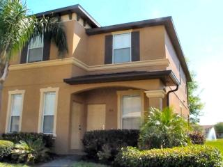 Ian's Villa at Regal Palms - Premium Upgraded Lakeside 4BR near Disney