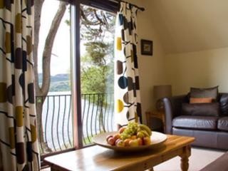 Luxury Loch Views - Waterfront Lodges: Widgeon, Stirling