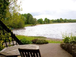 Luxury Loch Views - Waterfront Lodges: Teal, Stirling