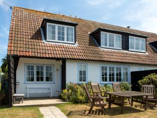 3 The Haven in Thorpeness with views of the famous Meare