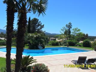 Studio Standing dans villa avec piscine