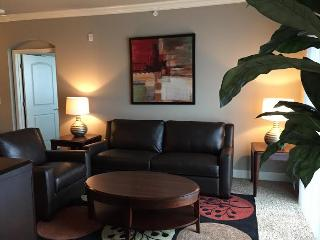 6-211-Gorgeous 2 Bd at Prairiefire!, Overland Park