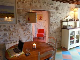 Romantic townhouse in centre of Vaison la Romaine, Vaison-la-Romaine
