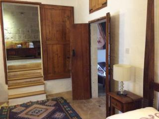 ONE BEDROOM APT. OF CHARACTER, Zurrieq