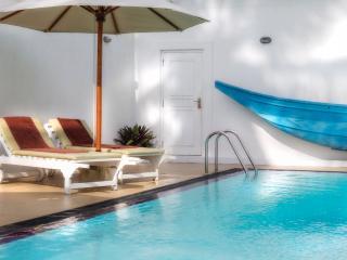 Villa Riina-Luxury beach villa with swimming pool