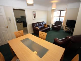 2 BEDROOM SERVICED GROUND FLOOR APARTMENT, Belfast