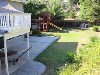 Beautiful 6 BD, Huge Yard, Close to LegoLand/Beach, Carlsbad