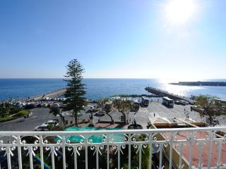 La casetta degli innamorati with sea view