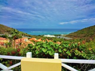 Sea Breeze~Comfort by the sea; private pool villa, Teague Bay