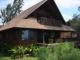 Kawela Kai Nani Beachfront Getaway, Architecturally Designed Home!, Kahuku