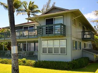 OCEANFRONT 3 Bedroom/2 Bath Duplex - Haleiwa Surfside B