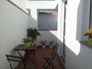 Nuevo. Apartamento con terraza en el centro, Granada