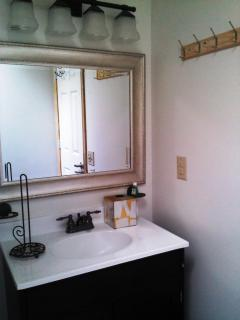 ensuite bathroom vanity
