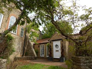 The Corn House - Holiday Home, sleeps 15, Norton St Philip