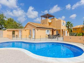 4 bedroom Villa with Pool, Air Con and WiFi - 5217868