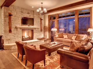 Wonderful Ski-in Ski-out Deer Valley Condo Sleeps up to 10 Guests!, Park City
