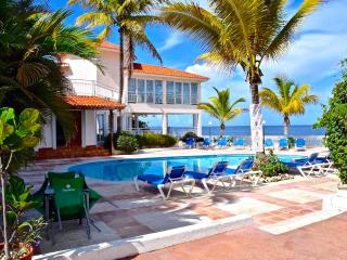 3BD beachfront villa in Sosua
