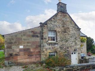 ROSE COTTAGE, Grade II listed cottage with WiFi, woodburner, patio, in Winster