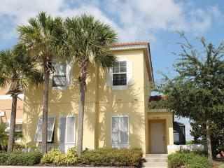 ***NEWLY RENOVATED!  Private Pool - Gated Resort - Free WIFI - Near DISNEY!!