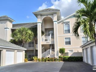 Newly furnished 2 bedroom plus den condo minutes from the Gulf, Bonita Springs