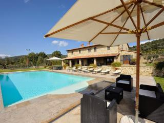 7 bedroom Villa in Tuoro sul Trasimeno, Umbrian countryside, Umbria, Italy
