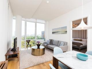 The Whant Collection - Central Park-Facing Luxury One Bedroom King Suite!, New York City