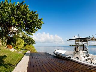 Bella Vista, Grand Cayman