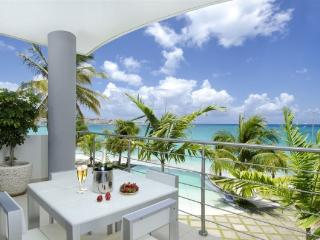 Luxury Apartment at Las Arenas on Simpson Bay Beach