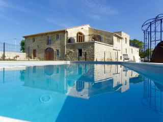 Mas en Drôme Provençale, piscine chauffée 13m x 6m, Francillon-sur-Roubion