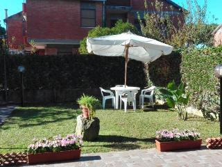 VILLA DEI PETALI comfy home for you & your family, Terracina