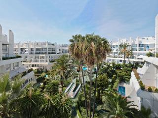 Duplex segunda linea playa en urbanizacion centro