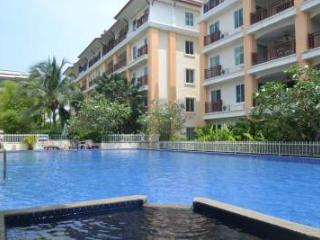 Palm Breeze Apartment in Saiyuan, Rawai