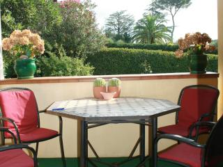 Cagnes sur Mer (Nice) Residence Michel Ange (2BR)