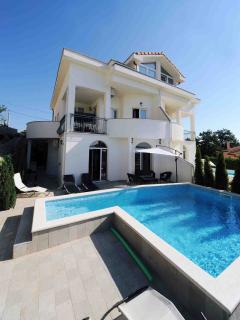 Wonderful villa Perla with pool
