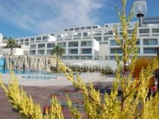 Horizon Sky Beach Resort duplex apartment for 4, Gulluk