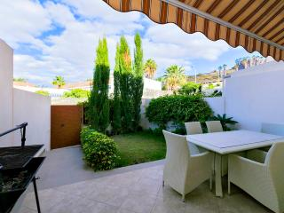 Townhouse in the centre/ Los Cristianos