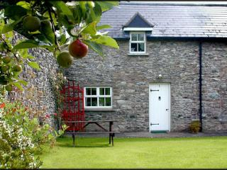 Darragh Cottage , Stone built cottage in Ireland.