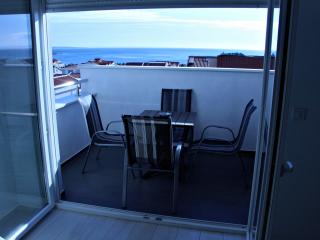 Beautiful apartment for 7, A11, Novalja