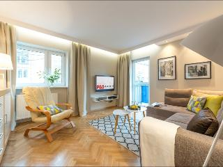 One Bed. Apartment CHMIELNA 2