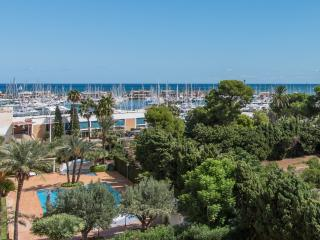 Beautiful 3-bedroom apartment Denia beach, sea views