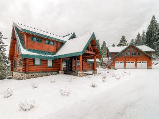 Spectacular Private Log Cabin|Hot Tub,Ping Pong|Slps13|Winter 4th Nt Free!, Cle Elum