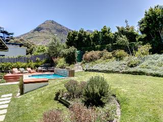 Chapman's View Villa- garden with pool (3x5m)