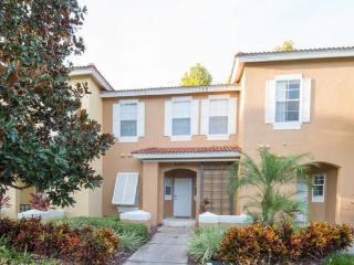 EMERALD ISLAND (8409BL) - NEW! 3BR 2.5BA Townhome gated Resort, close Disney