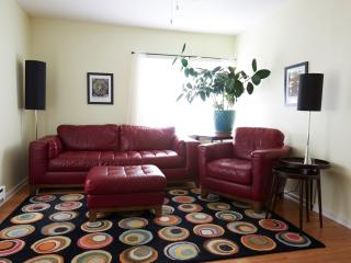 Stylish vintage modern 2 bedroom apartment, Viroqua