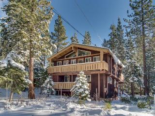 Classic chalet with room for the whole family & easy lake access!, Carnelian Bay