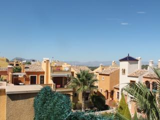 Top Floor Apartment with Hot Tub, Algorfa