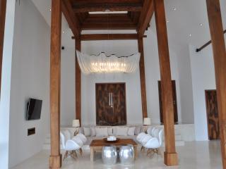 Love is Simple Bali ' 2 pools', Canggu