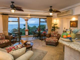 Luxurious Condo with Breath-Taking Ocean Views!, Manuel Antonio National Park